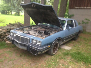 **1500$$ Or best offer** (Will Trade) 85 Pontiac Grand Prix**