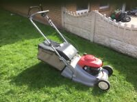 LAWN MOWER HONDA SELF PROPELLED REAR ROLLER £280