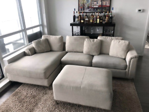 Brand new condition modern sectional w/ ottoman.