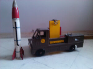 toy guided missile carrier
