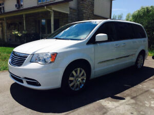 Chrysler Town and Country 2014 ----> PRIX RÉDUIT