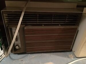 Free working air conditioner