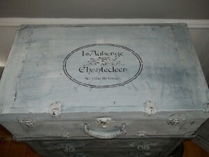 French Country Trunk