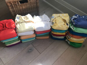 Bumgenius & fuzziebunz cloth diapers. Great condition!