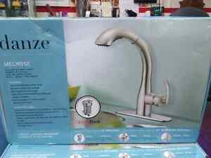 Danze Melrose Pull-out Kitchen Faucet (063-3363-8)