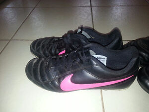 girls soccer shoes size 5