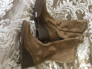 Beige suede boots size 7