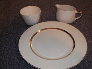 cornflower dishes, cream and sugar, plates, vases, etc Belleville Belleville Area image 2