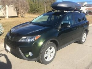 2013 Toyota RAV4 XLE, AWD, 6spd auto with Sky Box& Trailer Hitch