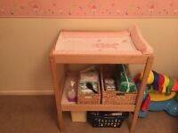 Changing table station