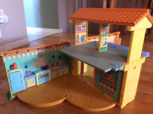 Dora The Explorer Talking Playhouse - A MUST have for Dora lover