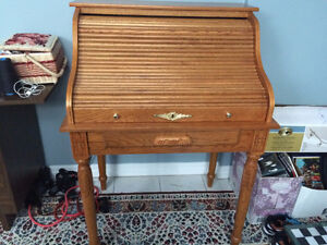 A Oak Roll Top  Desk - Beautiful Condition