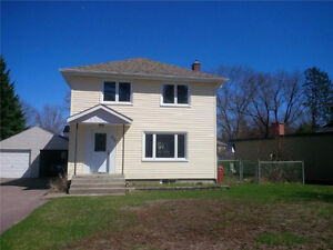 2-storey Detached House in Deep River