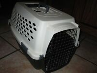 Pet Carrier for size sm/med dogs - FOR SALE (Excellent Cond.)