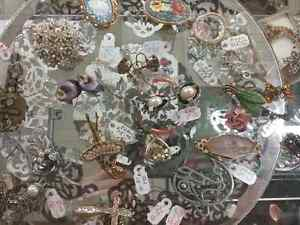 Shop Canada's largest antique mall 600 booths PLUS Jewelry  Stratford Kitchener Area image 6