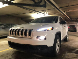2015 Jeep Cherokee 4X4 Sport LOW KM