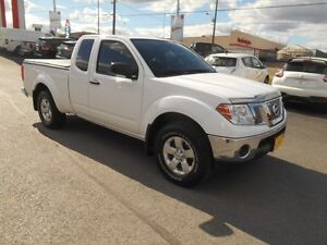 2012 Nissan Frontier SV V6 King Cab 4WD Peterborough Peterborough Area image 9