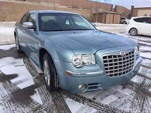 2009 Chrysler 300-Series limited asking $7500 only!!