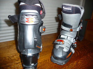 GARMONT WOMENS TOURING BOOTS 6 1/2 - 7 US