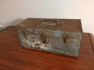 Vintage/Old Steel Metal Fishing Tackle Box - Bighorn Line