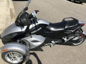 2009 CAN-AM SPYDER LOW KM GREAT CONDITION