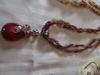 BEAUTIFUL NECKLACE---BRAND NEW!