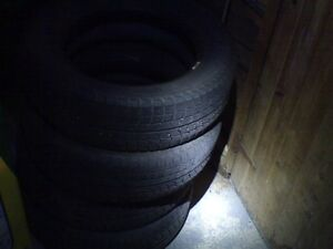 185/65/15, 4 Snow tires/winter tires, and 4 all seasons.