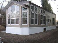 FOUR SEASON PARK MODELS BUILT BY HOME BUILDERS. SAVE THOUSANDS !
