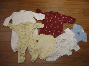 Lot de vêtements 0-12 mois (15 mcx)