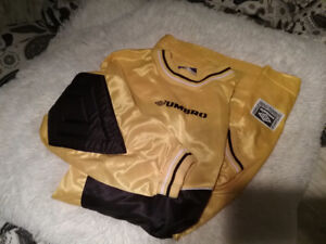 3 Soccer Goal Keeper  Goalie Jerseys Mens Large....