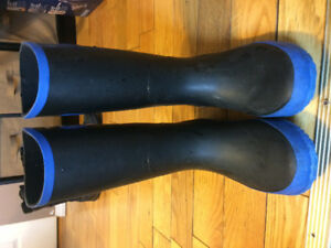 Boys Rubber Boots size 4