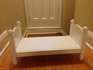Maplelea Doll  bed and bedding Peterborough Peterborough Area image 2