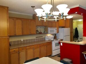 OPEN HOUSE SAT AUG 26, 1-4.  COME CHECK OUT THIS WONDERFUL CONDO