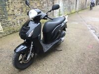 2008 Honda PS 125 cc learner legal 125cc scooter with 1Year MOT.