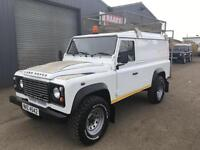 2010 Land Rover Defender 110 2.4TDCi PUMA 4x4 Utility 3500KG * 6 Speed *