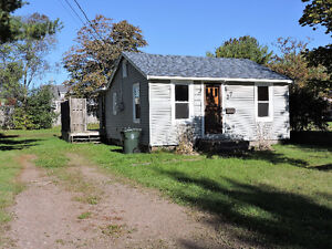 Affordable Bungalow in Amherst!