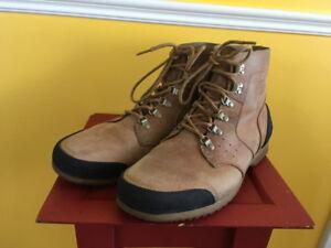 EUC Men's Sorel Mid Waterproof Hiking Boots size 13