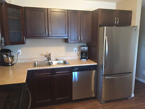 2 Bedroom/2 Bath Apartment. - Available Now!!!