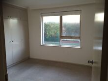 Room available in two bedroom flat Glen Huntly Glen Eira Area Preview