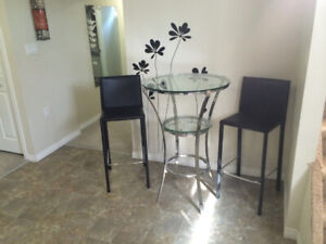 FULLY FURNISHED LEGAL 1 BDR SUITE in DUPLEX, avail. immediately