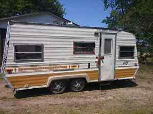 Fixer up or parts camper trailer