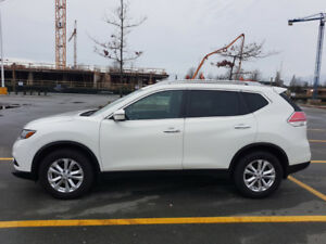 Nissan rogue sv fwd 31000km like new!
