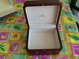 Omega Polished mahogany watch box West Island Greater Montréal image 7