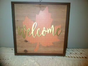 Wedding decor - Welcome sign and baskets