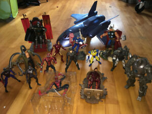 MARVEL SUPERHEROES COLLECTION.4-7 inches figures. Everything y