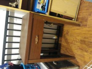 Machine à coudre Omega avec meuble et banc