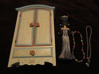 JEWELLERY BOX AND NECKLACE HOLDER