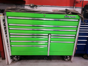 Snap on epiq series roll cab. Tool box