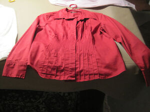 7 Women's Button Down Shirts Cornwall Ontario image 5