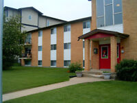 *INCENTIVES* Newly Painted 2 Bdrm in Adult Building ~ Wellington